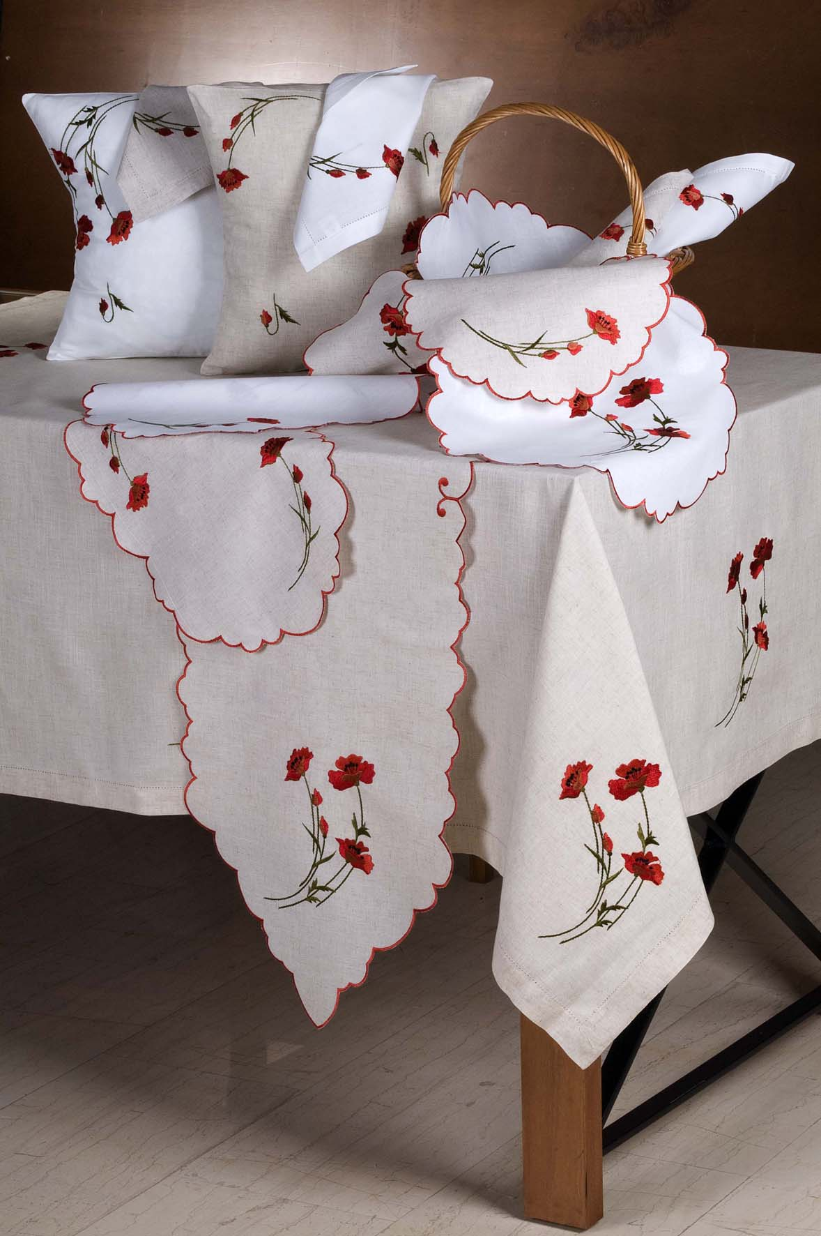 Housse de coussin brod 40x40 blanc coquelicot for Housse coussin 80x80