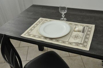 Set de table blanc 35x53 broderie brune